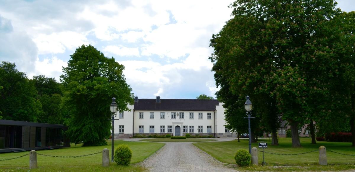 Herrenhaus-Gut-Siggen-1200x583